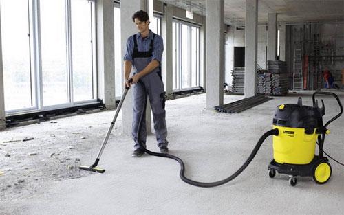 Использование промышленного пылесоса на стройке