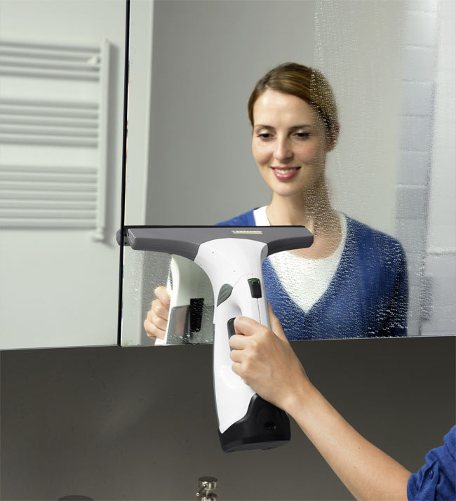 Мойка зеркала стеклоочистителем Karcher WV 2 Premium Versatility